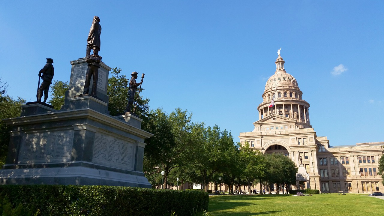 Supreme Court: all but one Texas district not racially gerrymandered