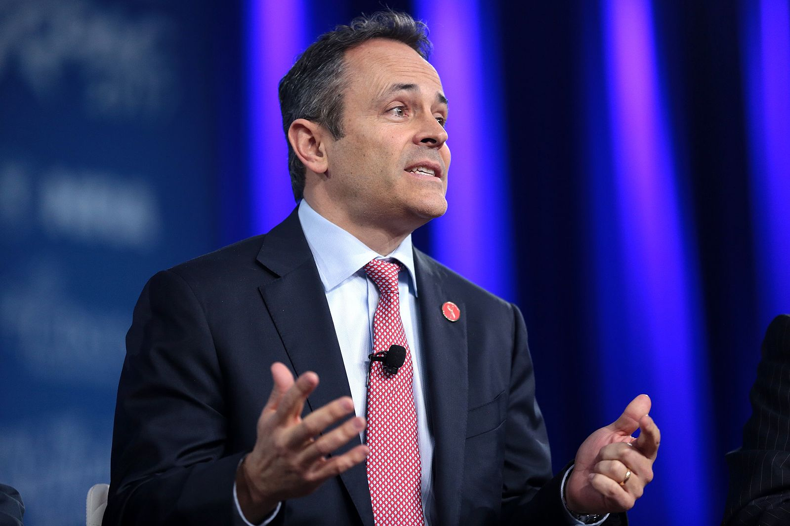Federal judge dismisses Kentucky governor's lawsuit against Medicaid recipients