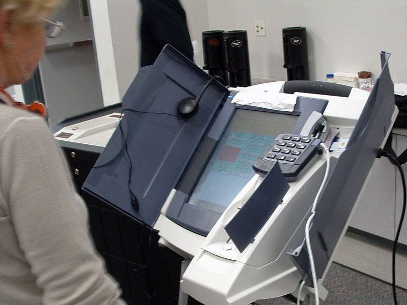 Federal judge allows Georgia to continue with touchscreen voting