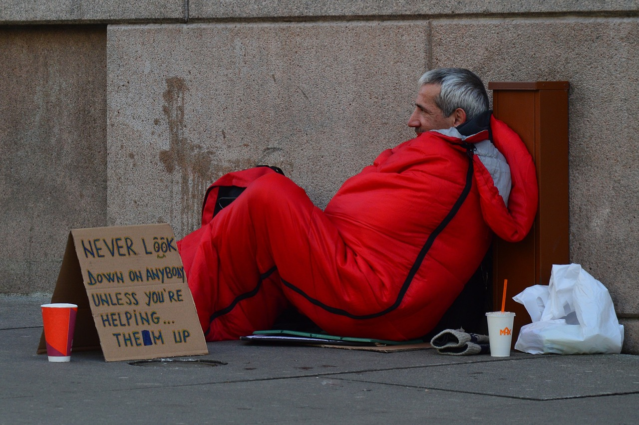 Federal appeals court rules homeless people cannot be cited if no indoor sleeping options exist