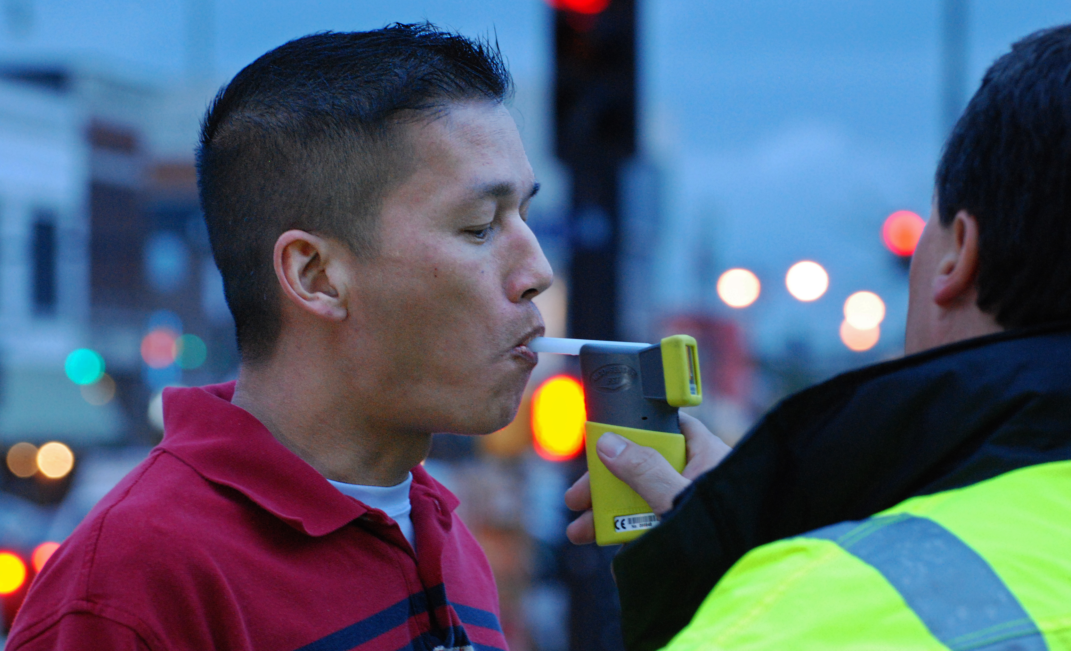 Canada Supreme Court limits drunk driving defendants' access to breathalyzer maintenance logs