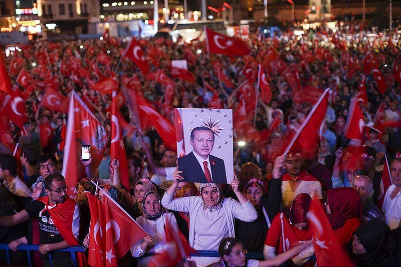 Turkish security forces arrest 203 soldiers over alleged Gülen links
