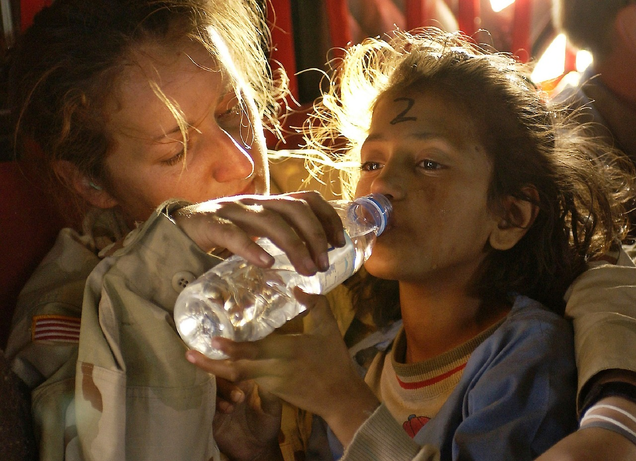 UN rights expert urges states not to criminalize humanitarian aid