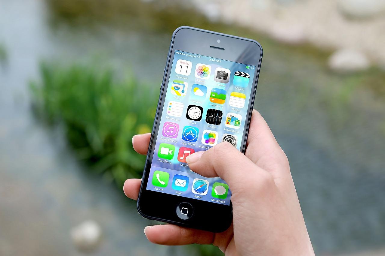 Supreme Court hears arguments in Apple antitrust suit
