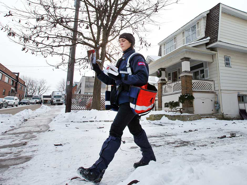Canada postal workers union challenges constitutionality of back-to-work' law