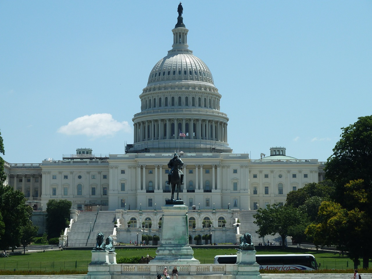 Congress introduces bill to reduce president's power to levy import tariffs
