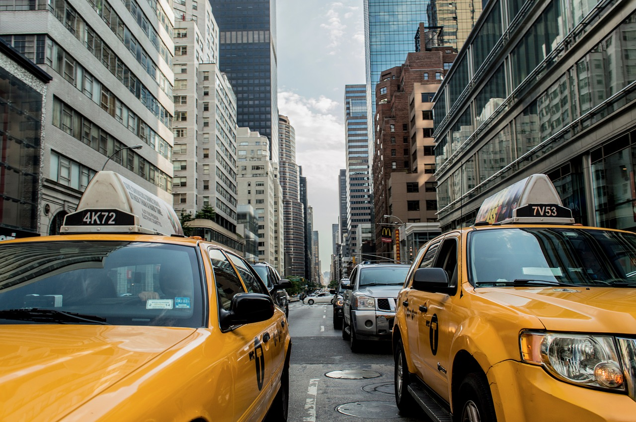 Rideshare companies sue NYC Taxi and Limousine Commission over minimum wage
