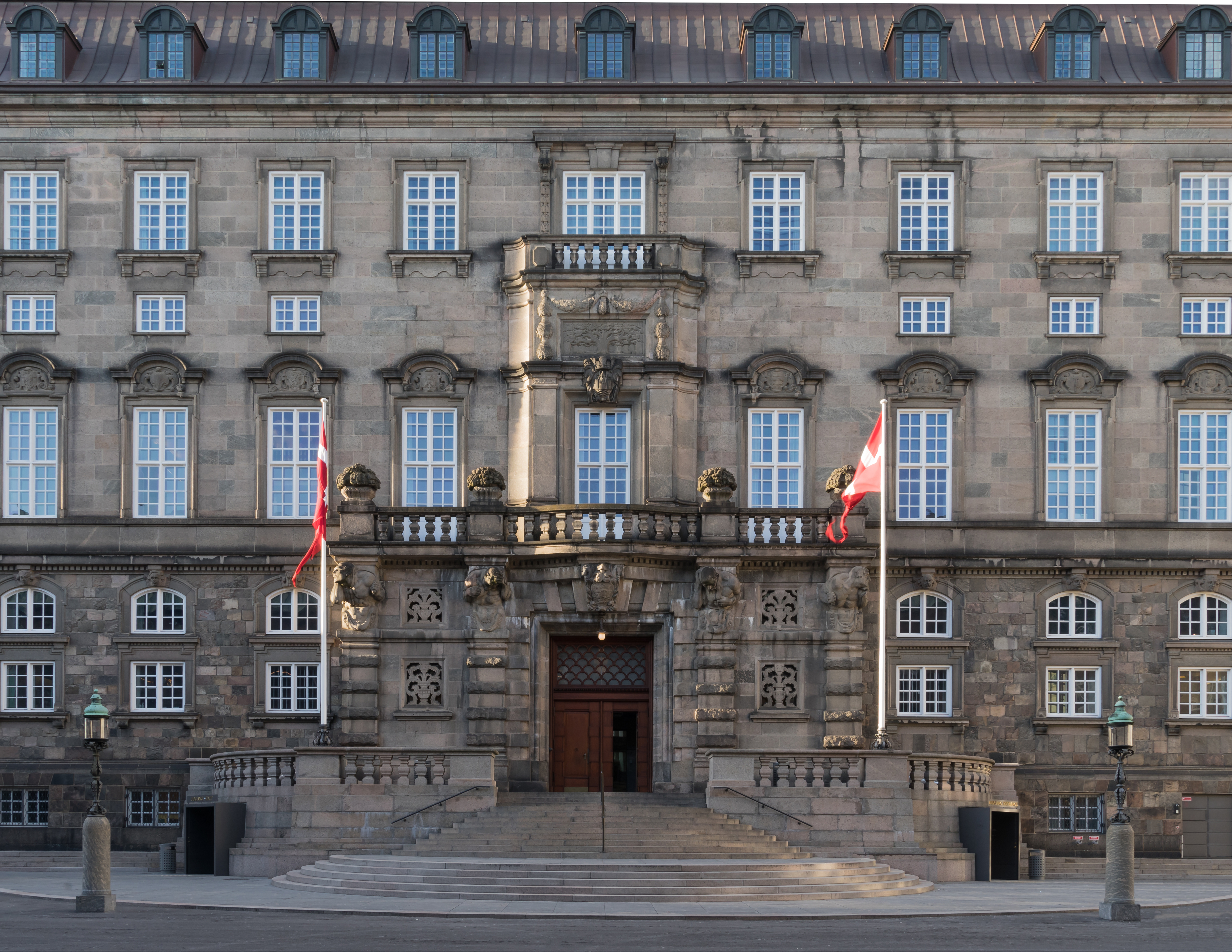 Denmark lawmakers vote to tighten regulations against asylum seekers