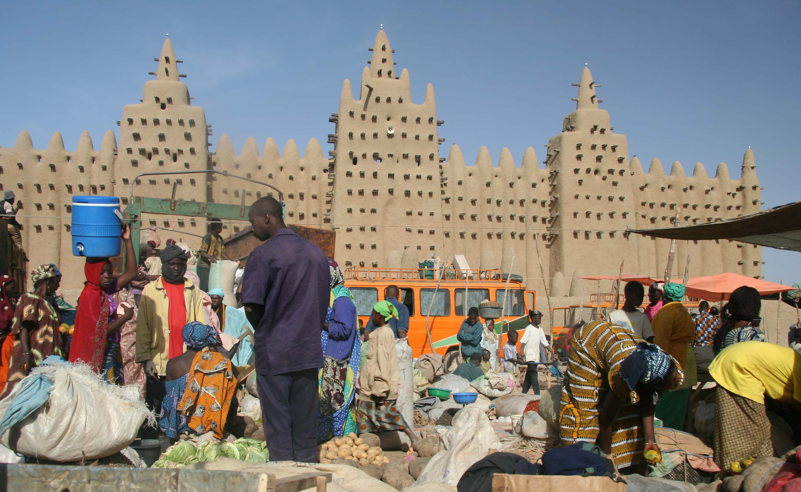 African Union suspends Mali's membership following military coup