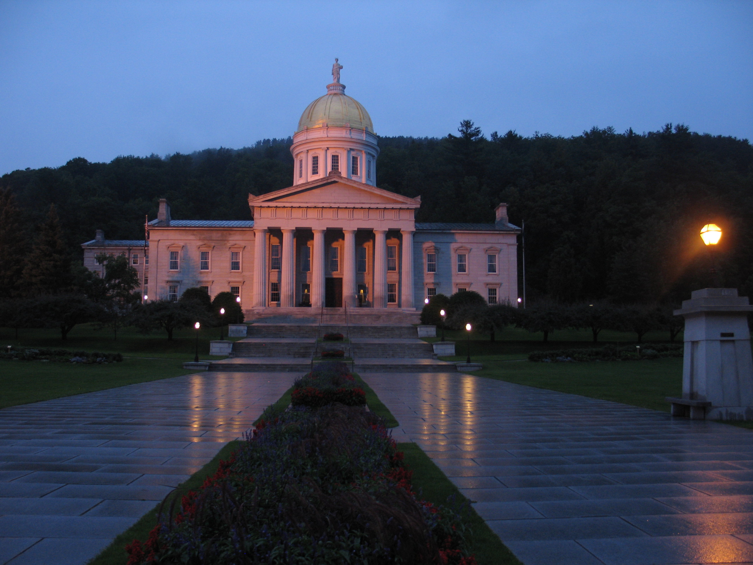 Vermont lawmakers approve abortion rights bill