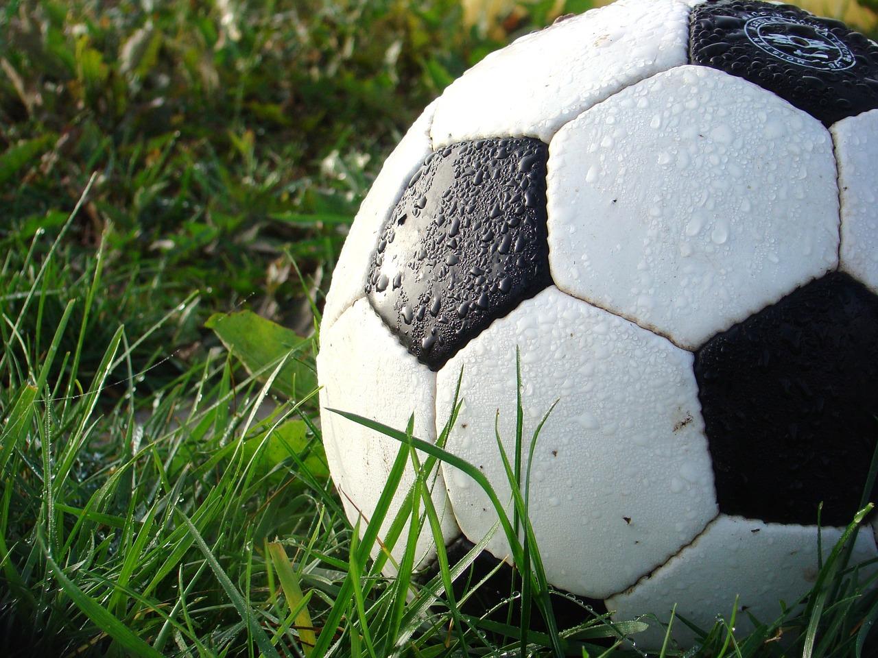 US Women's soccer team sues for gender discrimination