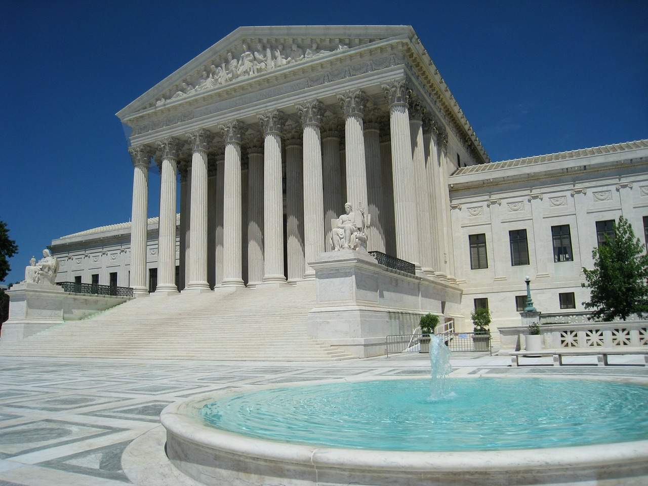 Supreme Court hears arguments in First Amendment trademark and tender offer negligence cases