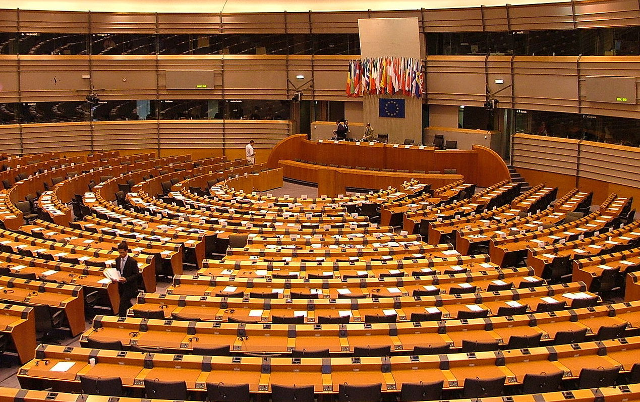 EU passess law to protect whistle-blowers