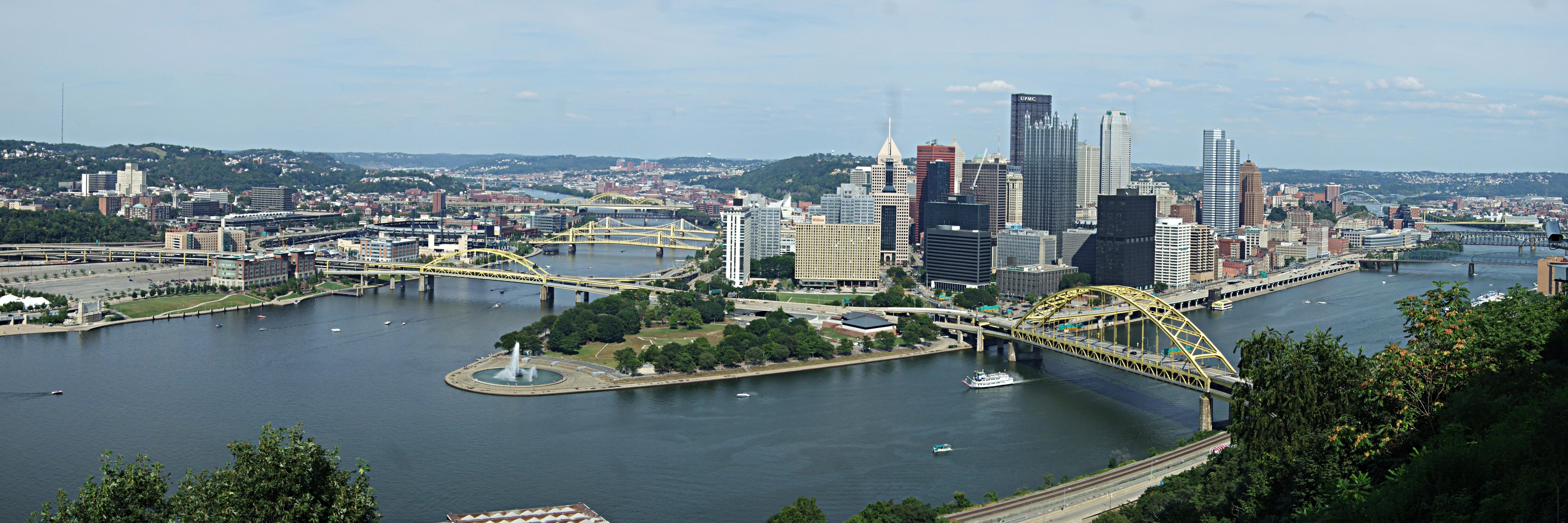 Pittsburgh mayor signs gun control laws