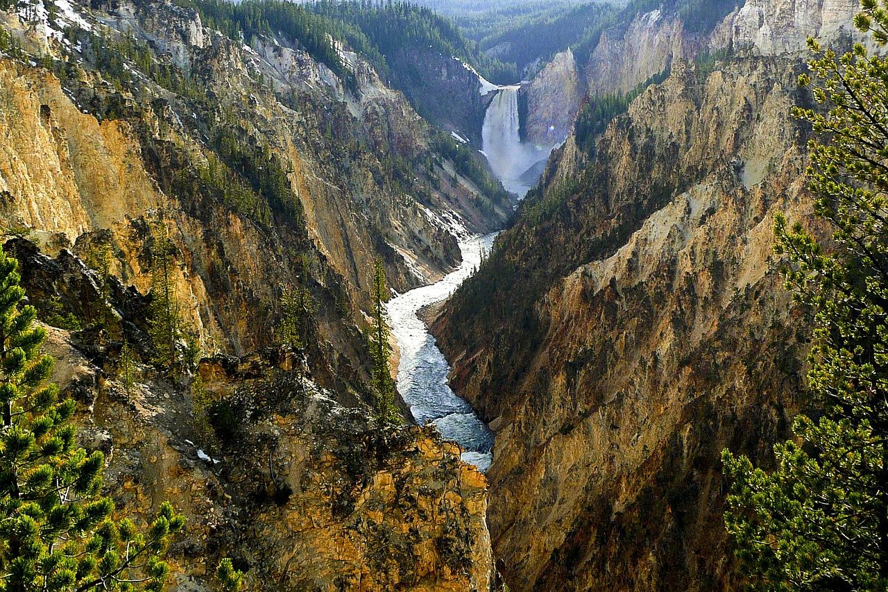 Montana court blocks mining company from mining near Yellowstone National Park