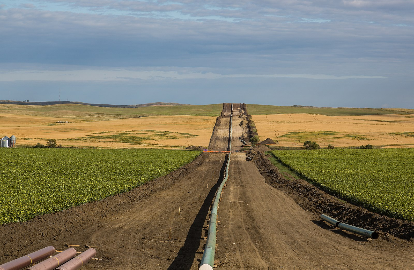Federal appeals court orders environmental impact review of Dakota Access pipeline