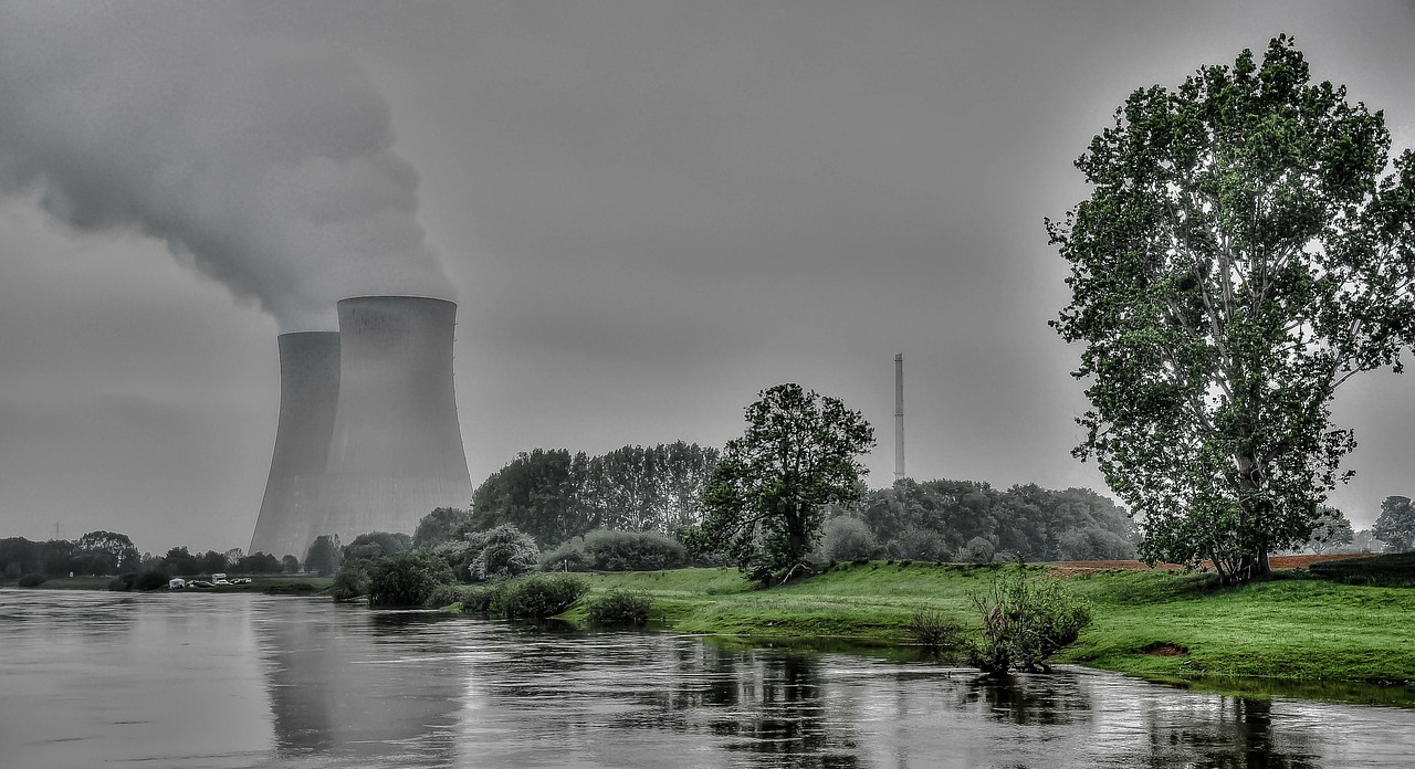 EPA allowed to delay power plant waste regulations