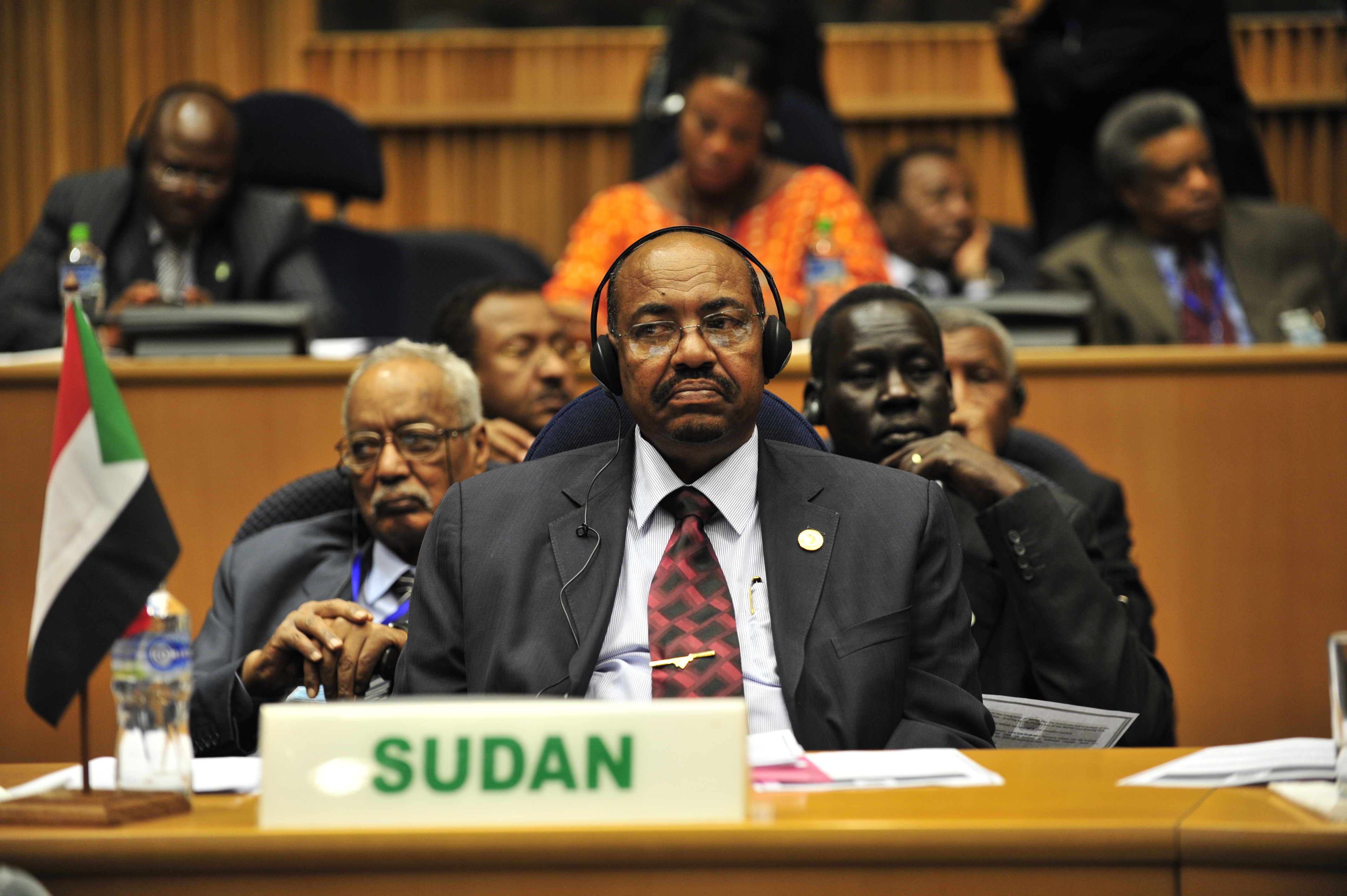 Sudan to turn ex-president over to ICC to stand trial for genocide
