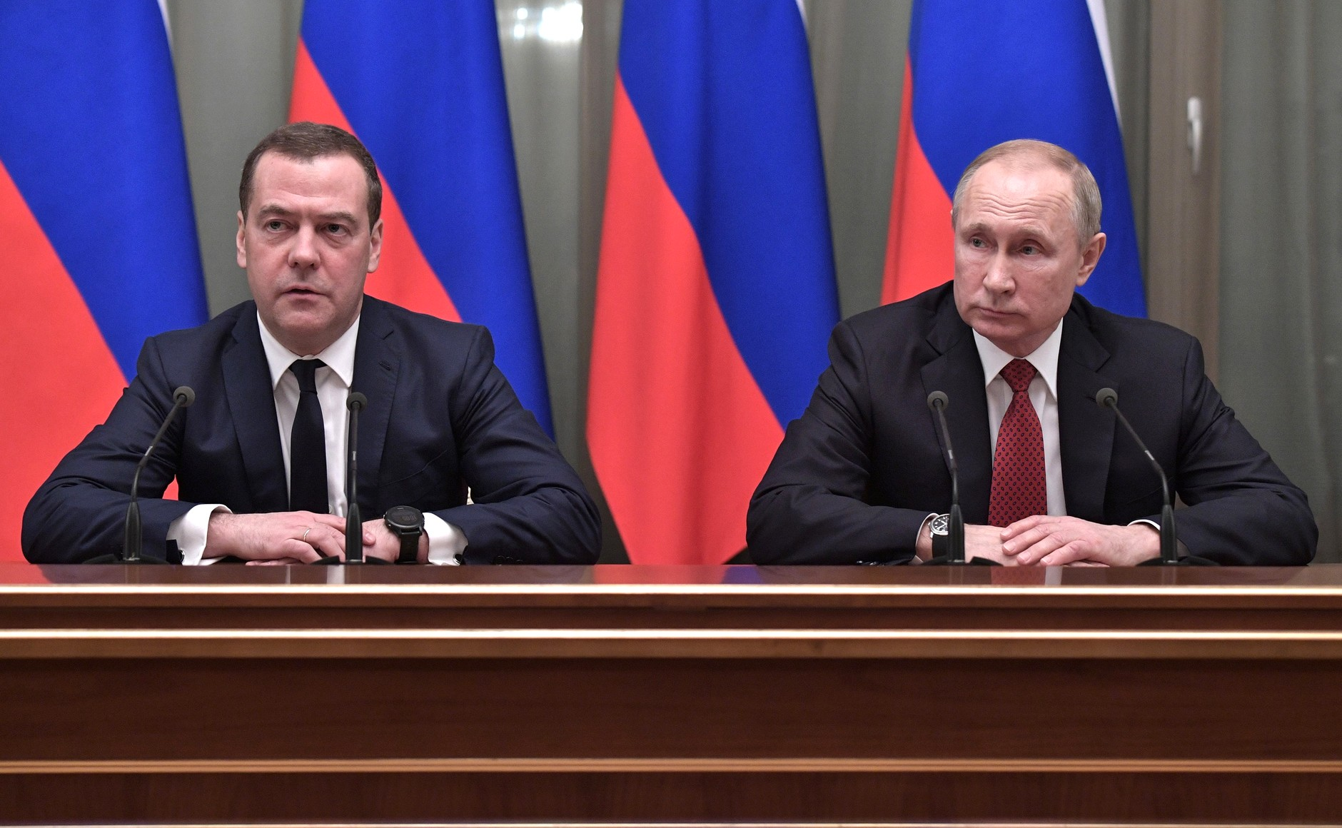 Russia government resigns following announcement of reforms to weaken Putin's successor