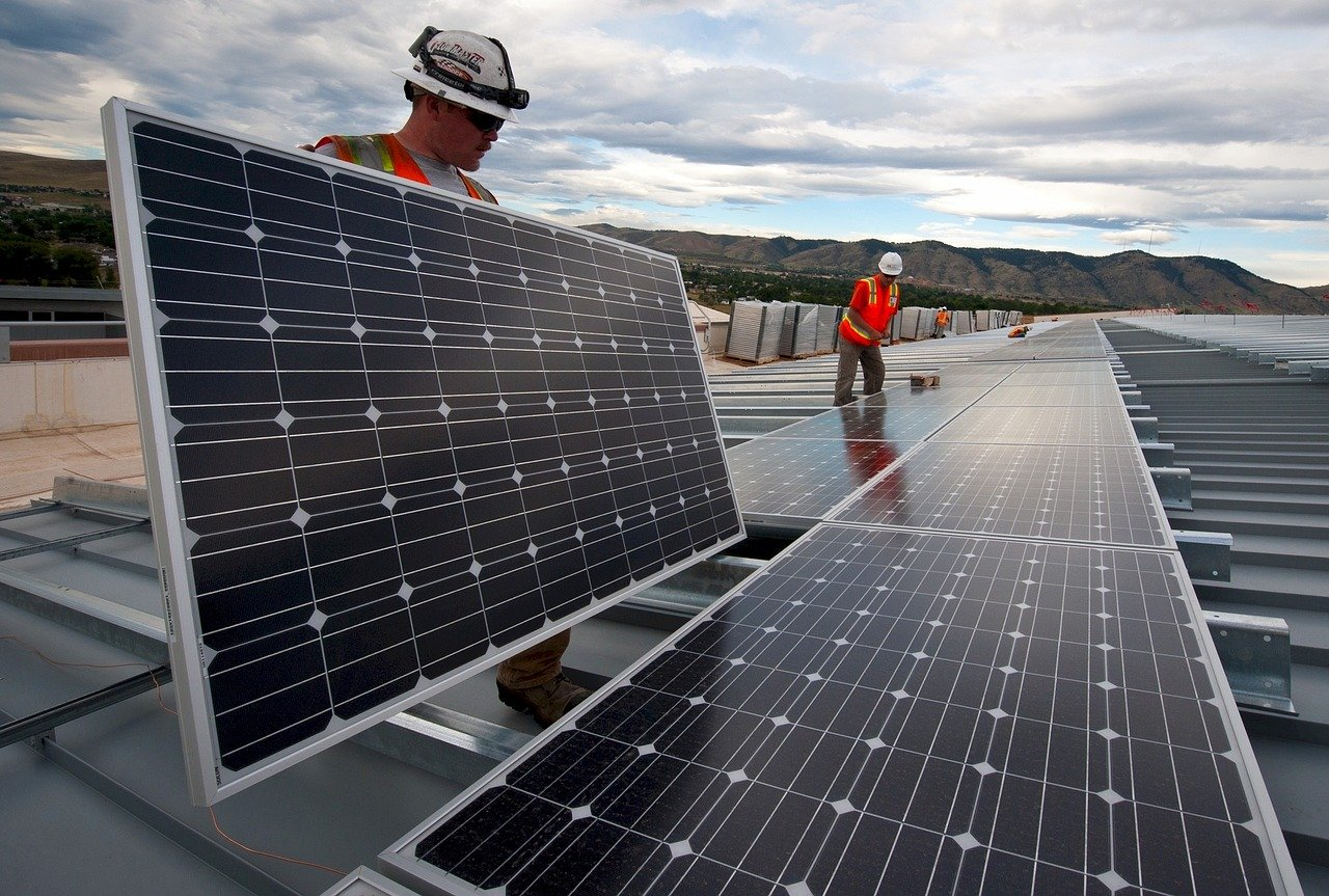 First Solar agrees to settle $350 million shareholder lawsuit