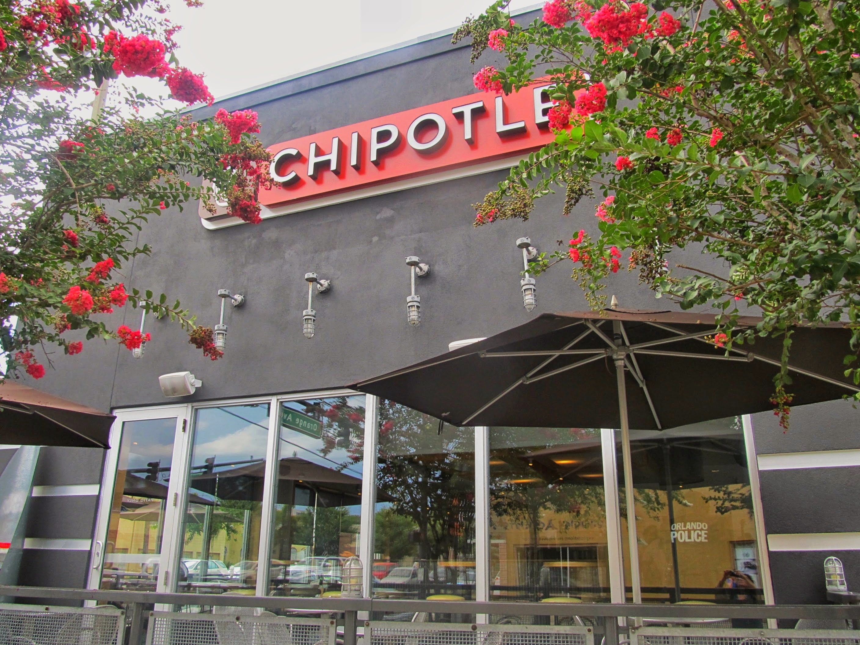 Chipotle agrees to pay $25 million fine related to foodborne illness outbreaks