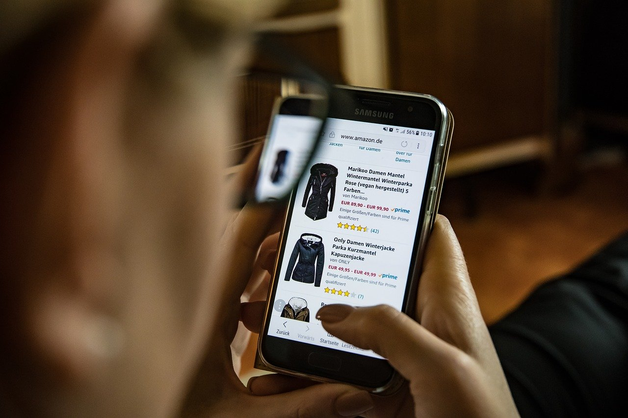 US lawmakers introduce bipartisan bill to make online sellers liable for counterfeit products