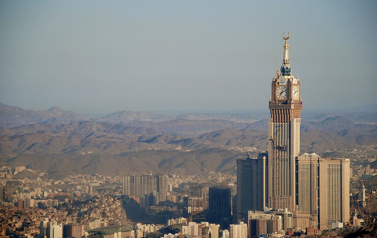 Saudi court sentences 7 militants to death over 2014 shooting attack