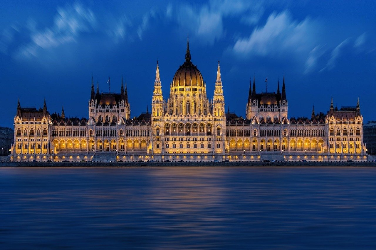 Europe rights court: Hungary violated rights of six journalists