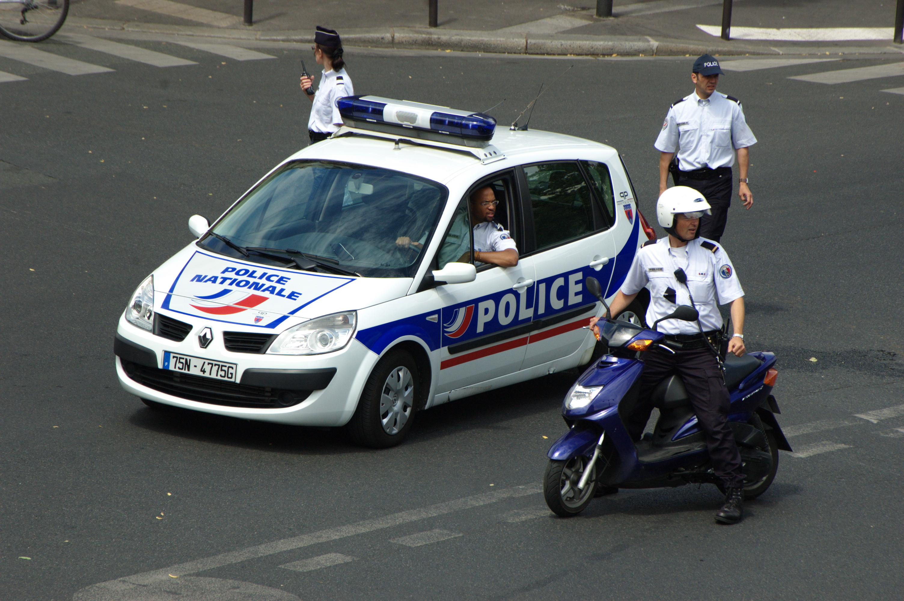 French Lawmakers pass bill that restricts publication of images of police