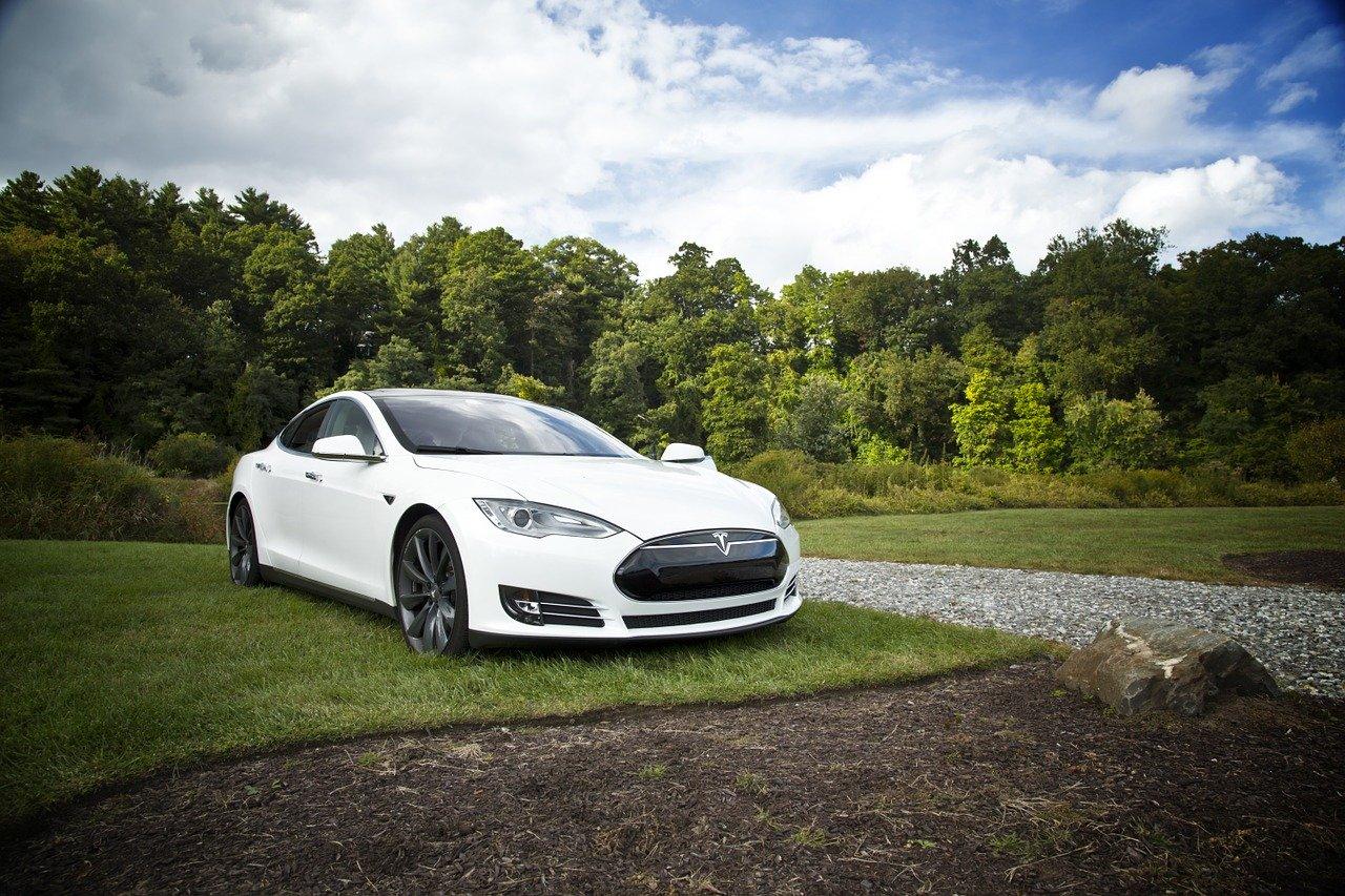 German court bans Tesla advertising for misleading public about autopilot project