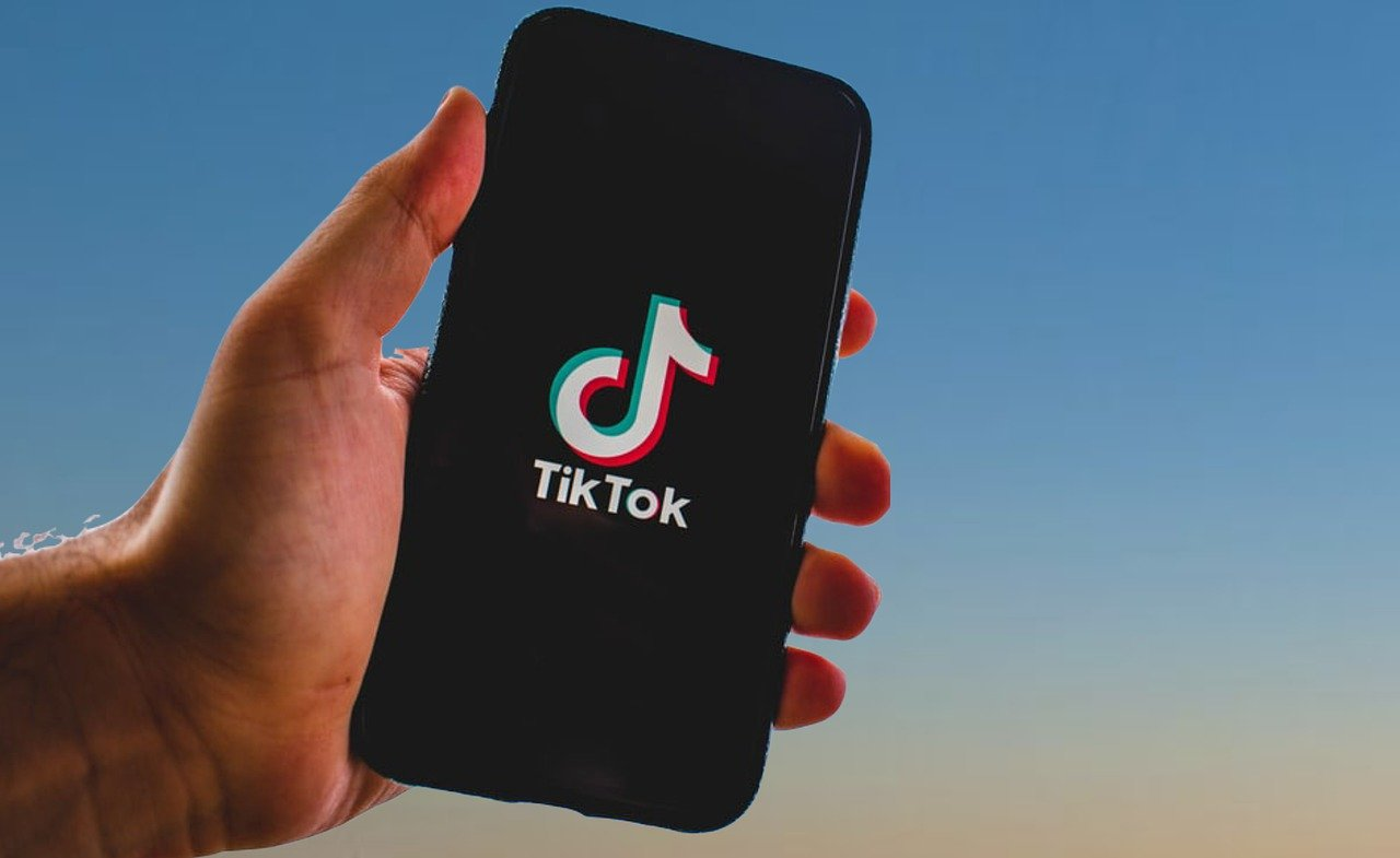 Trump signs executive order imposing sanctions on TikTok and WeChat