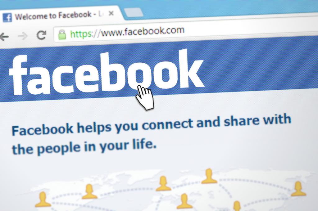 Ireland high court halts regulatory probe into Facebook EU-US data flow