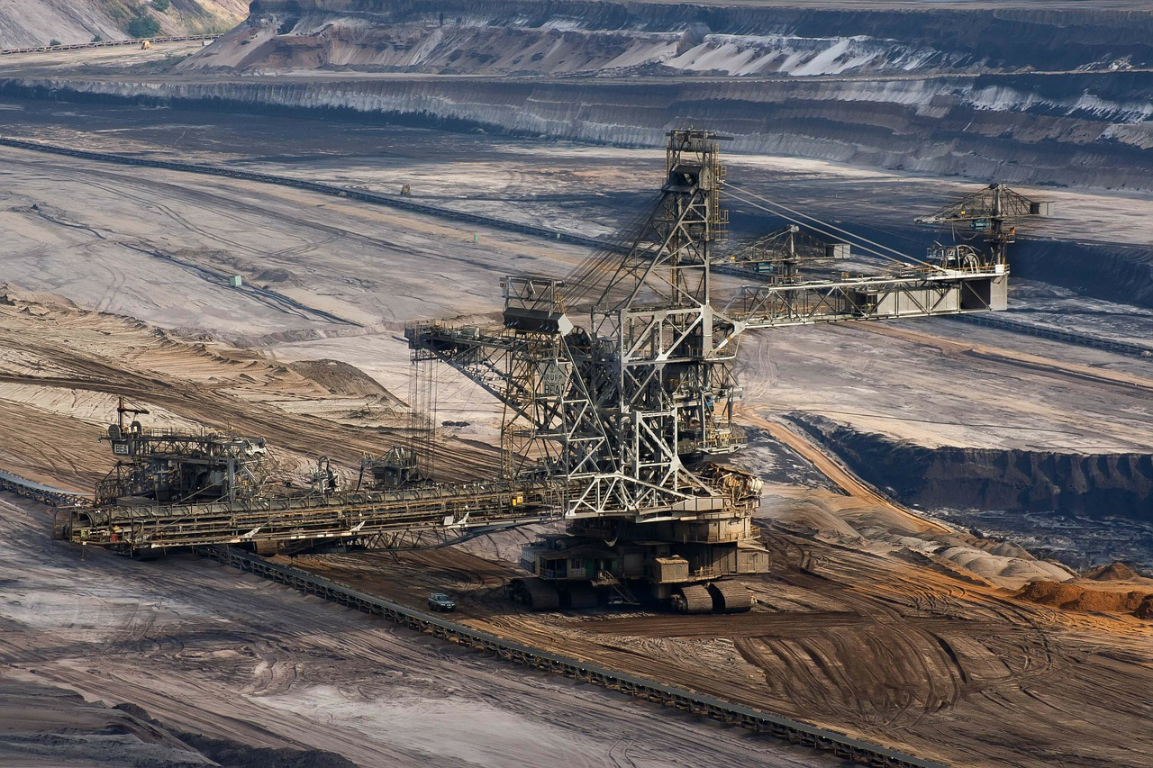 Australia students launch suit against environment minister in opposition to proposed coal mine
