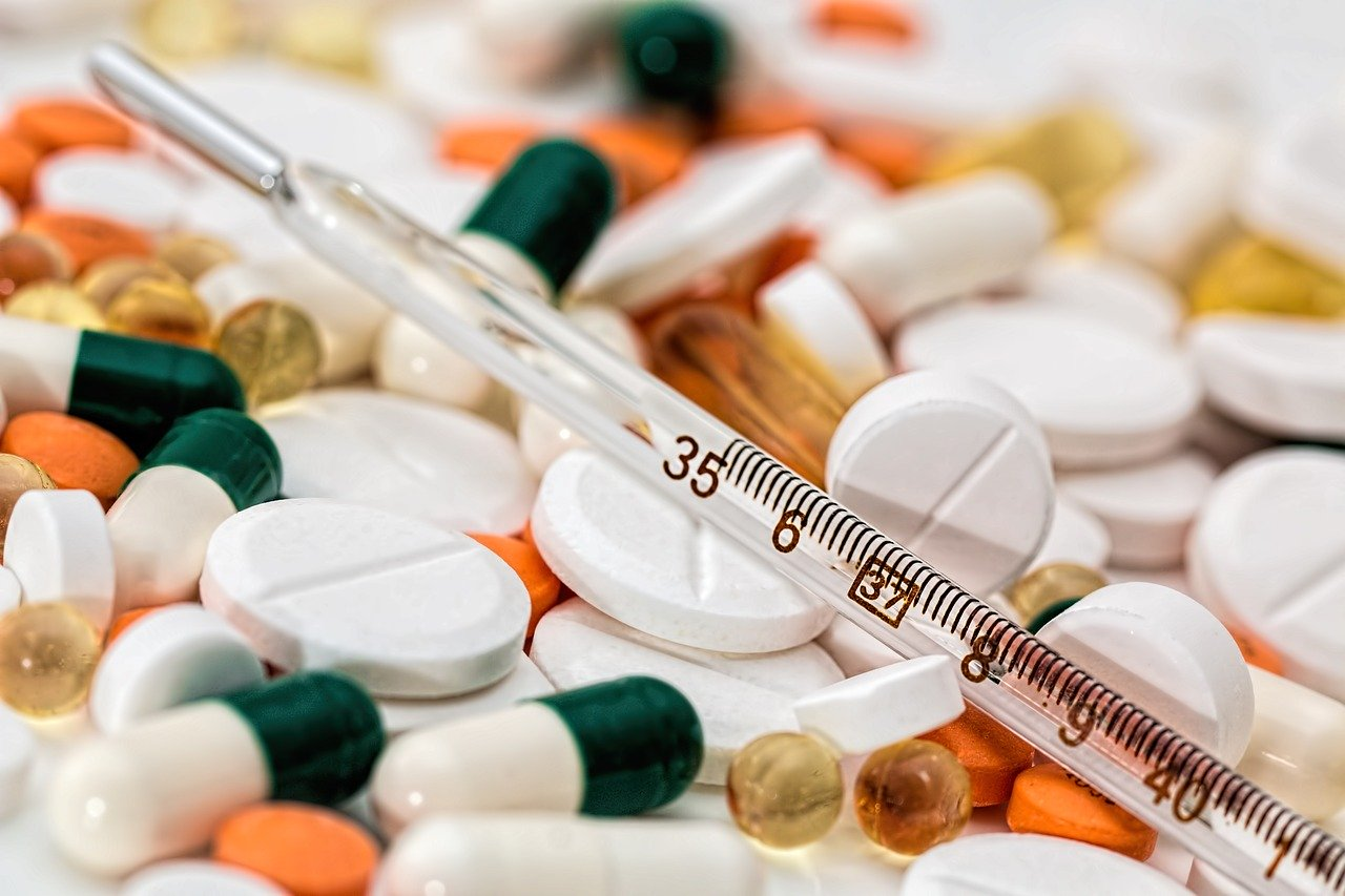 California governor signs bill allowing state to manufacturer generic drugs