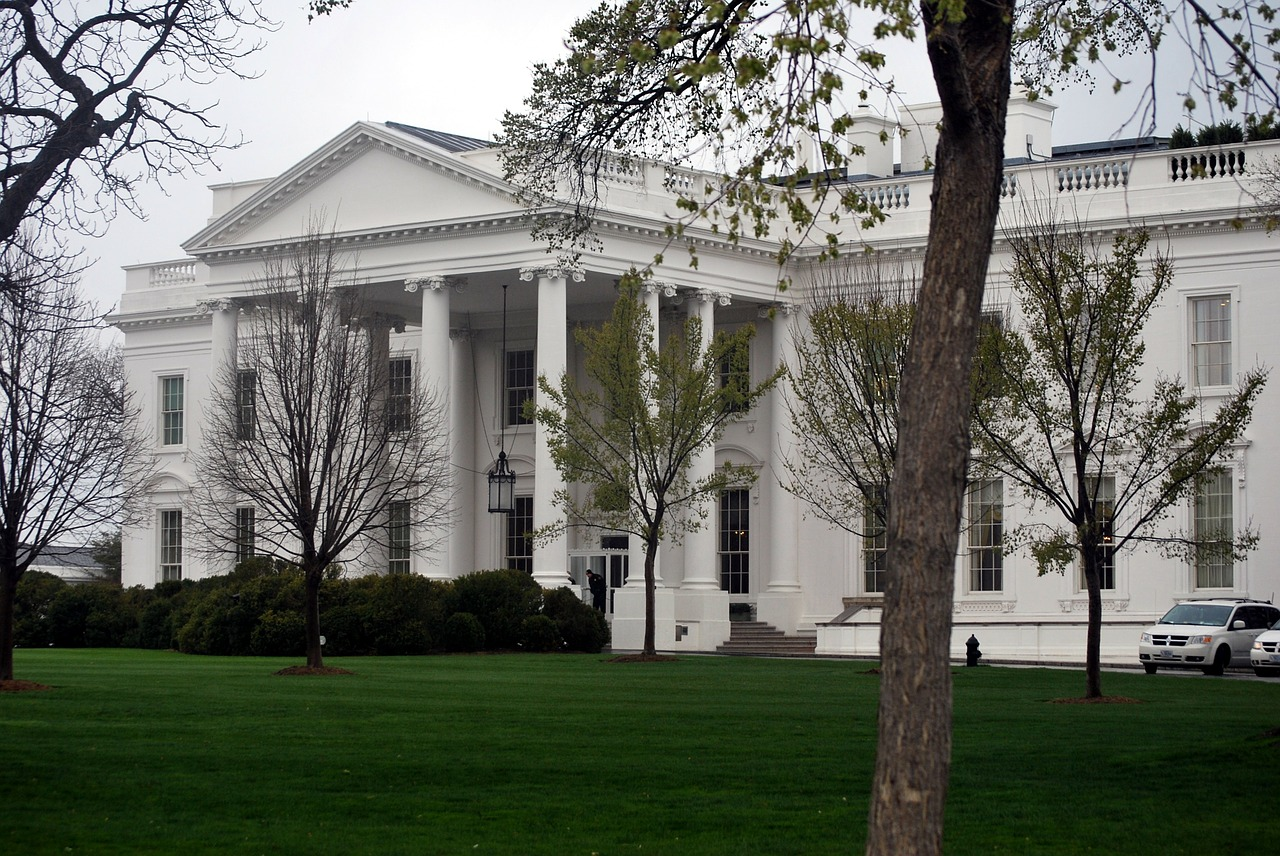 Federal appeals court allows government to proceed with implementing labor executive orders