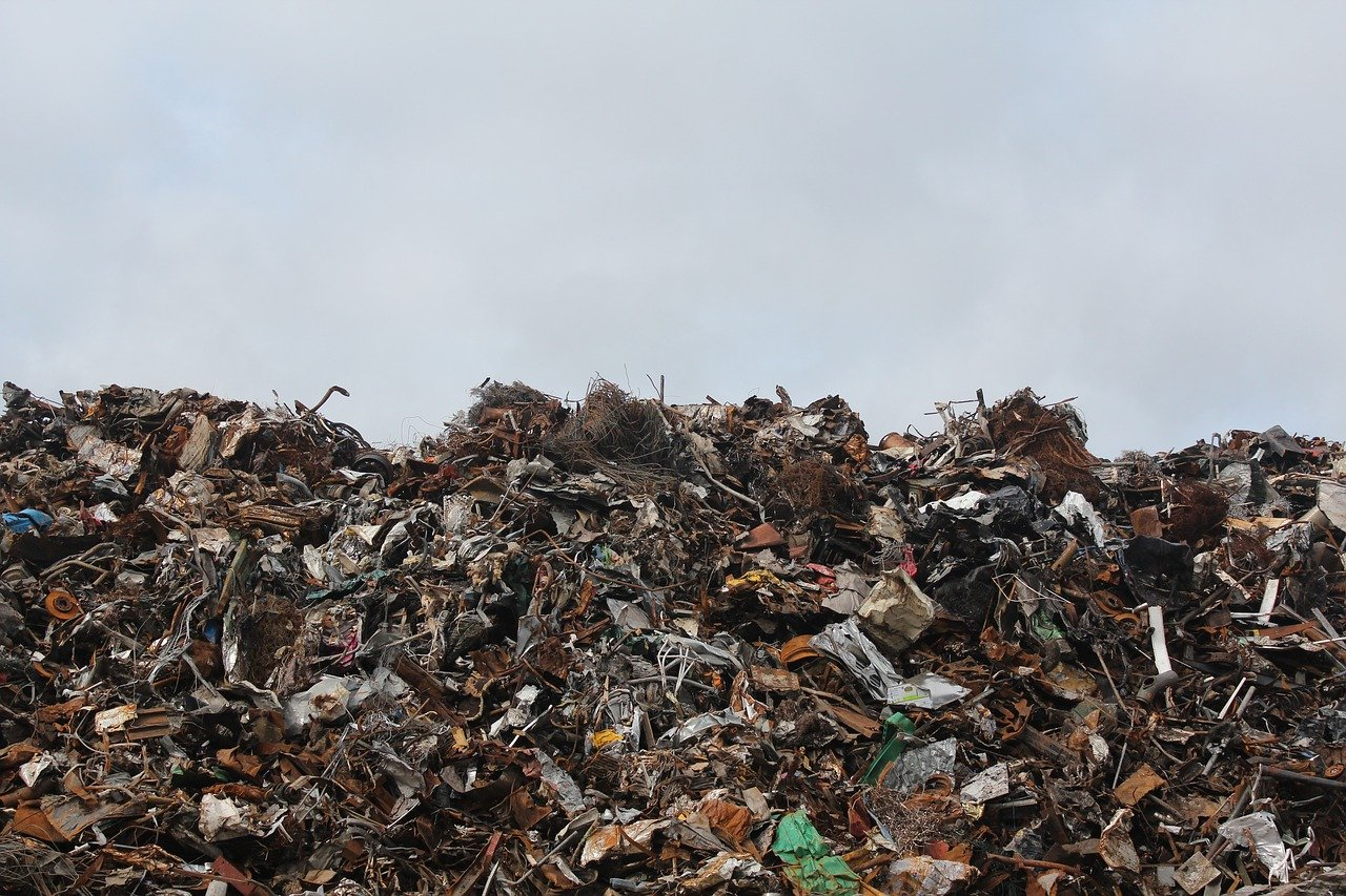 Federal appeals court allows EPA to delay implementation of landfill emission rules