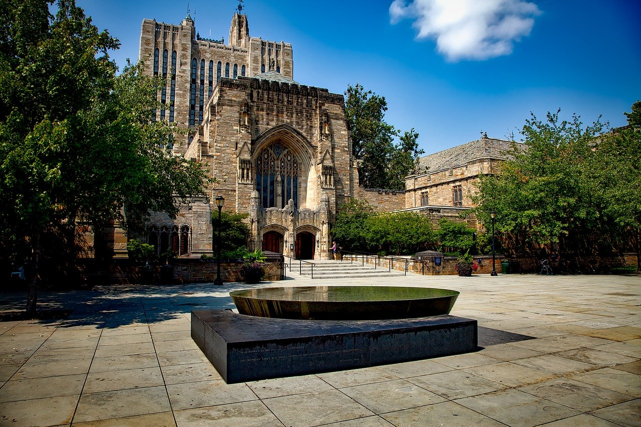 DOJ sues Yale for racially discriminating against applicants
