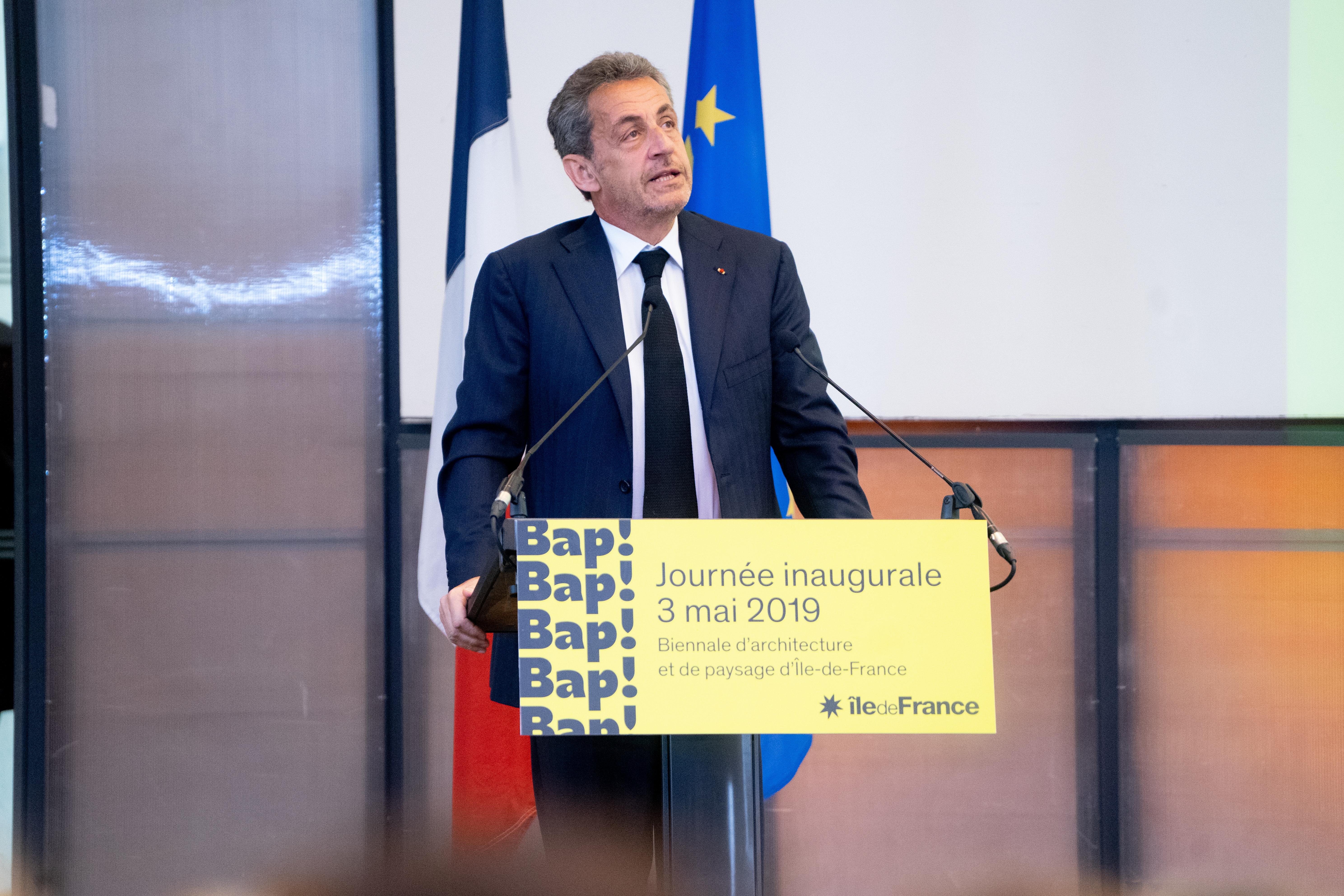 L'ancien président français Sarkozy condamné à trois ans de prison pour corruption et trafic d'influence