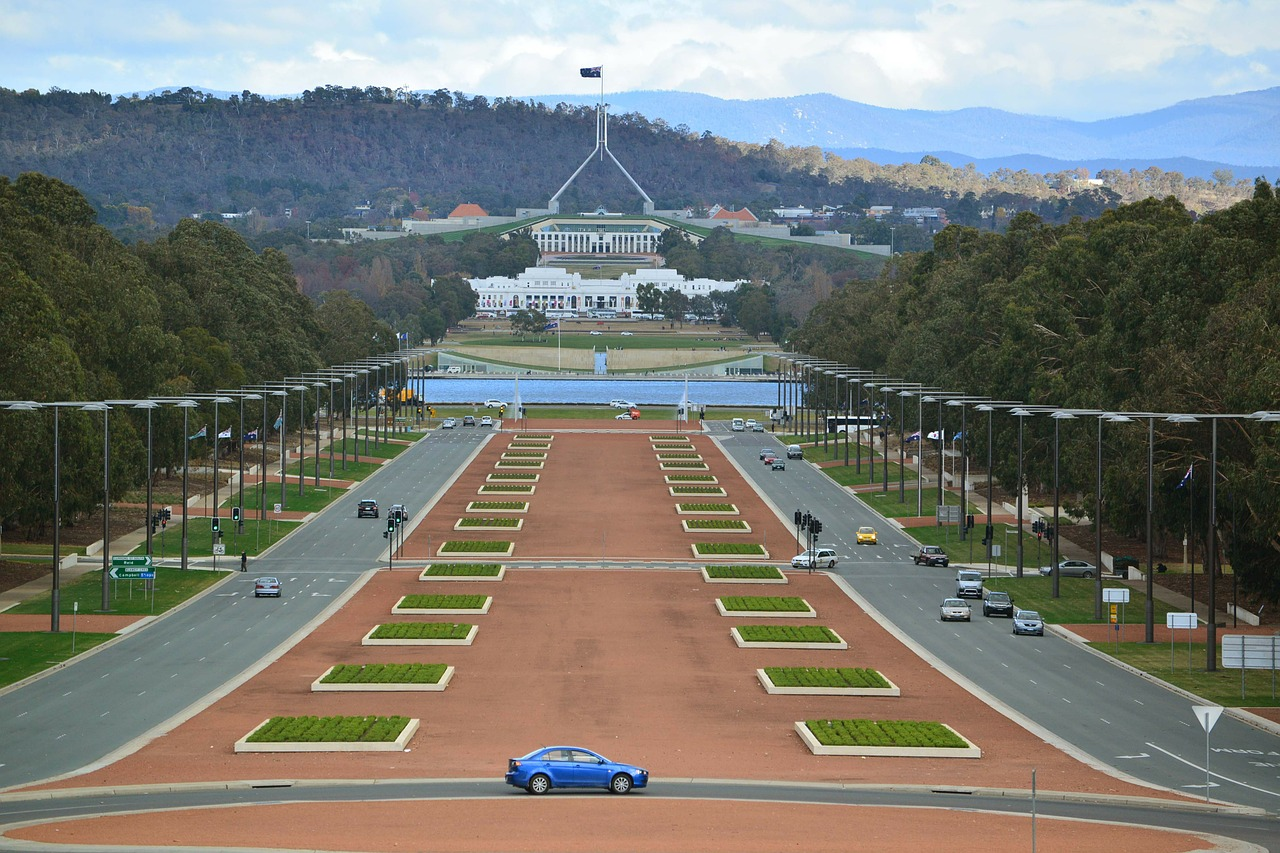 Australia government welcomes committee proposal to create simplified single family court structure