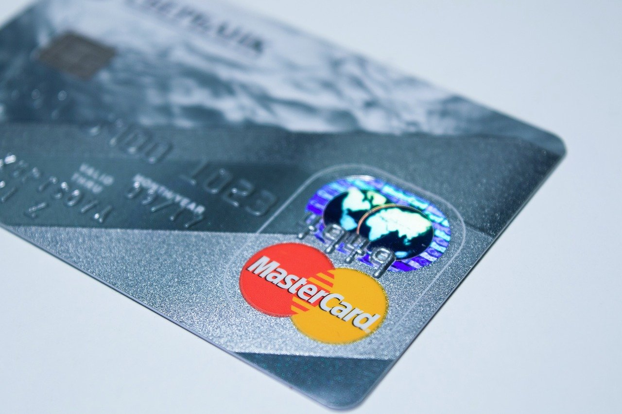 India bank regulator blocks Mastercard from issuing new cards
