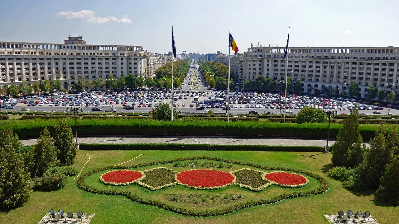 Romania president approves law penalizing anti-Roma behavior