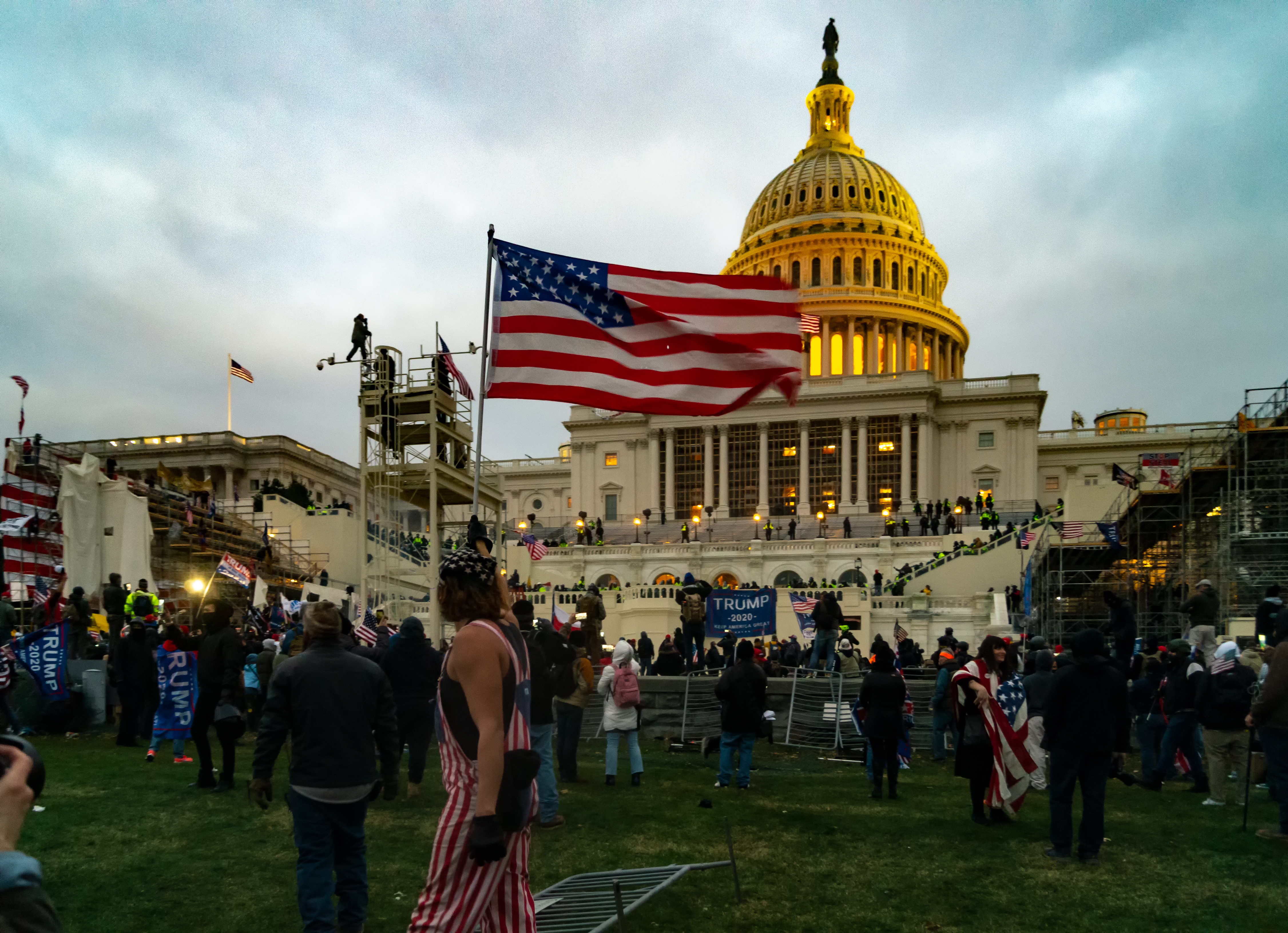 Federal grand jury indicts six members of Oath Keepers in connection to US capitol attack
