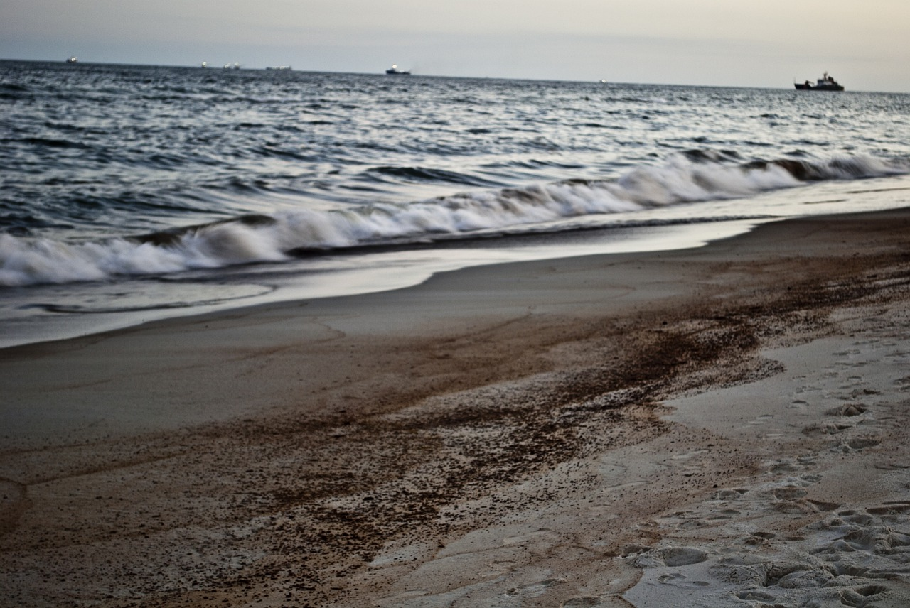 Israel court imposes seven-day gag order on media reporting of huge oil spill