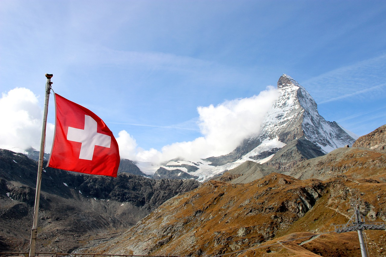 Swiss private bank will pay $22M settlement after helping US taxpayers to hide offshore accounts