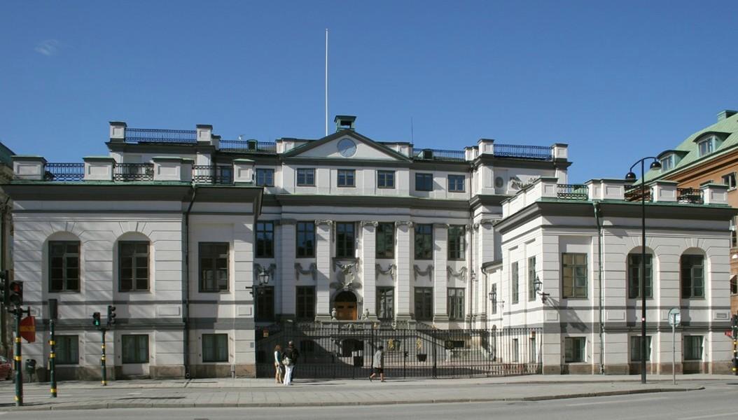 Sweden top court deems posing with dead bodies a war crime
