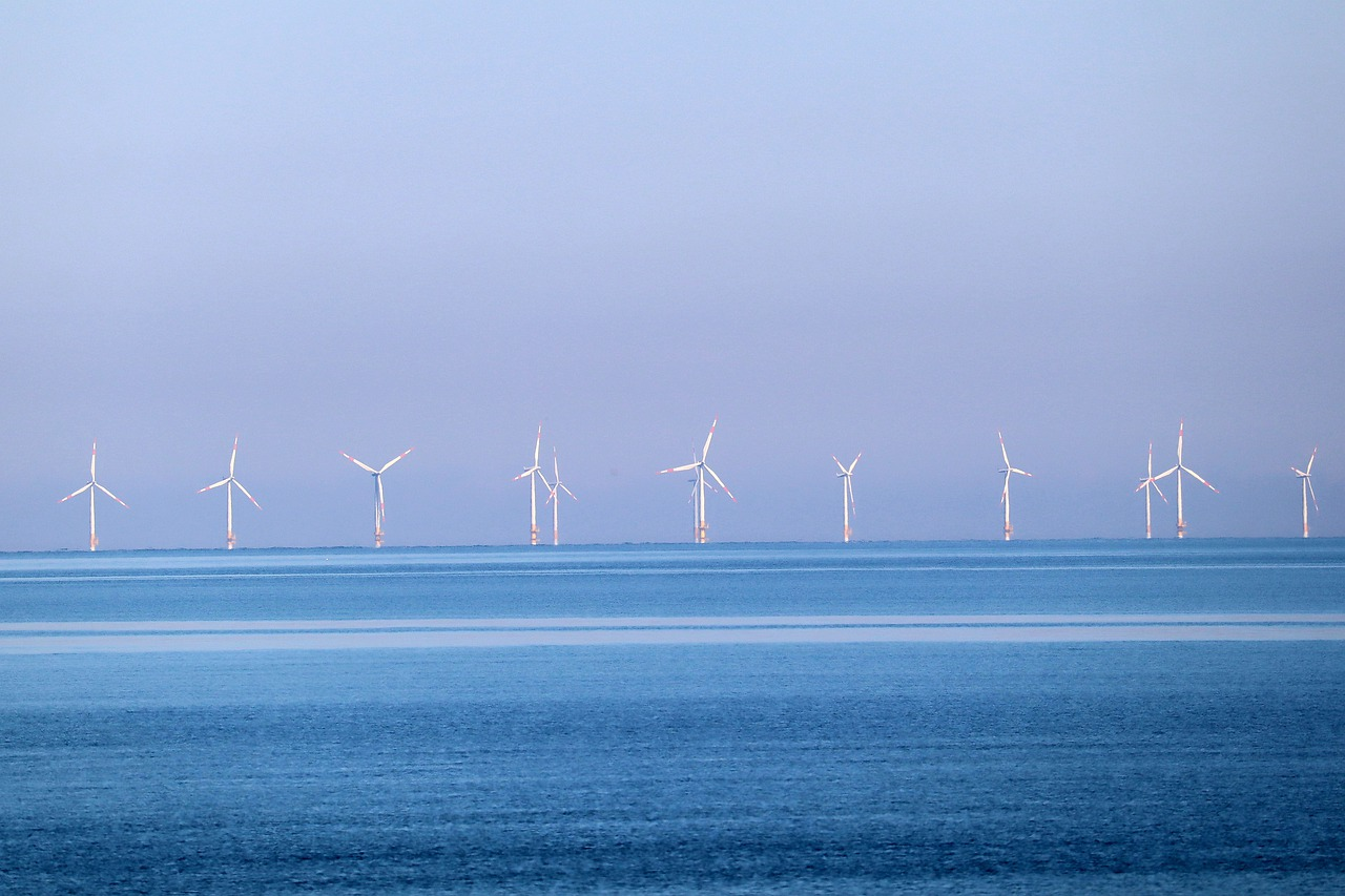 North Carolina governor signs order expanding offshore wind power