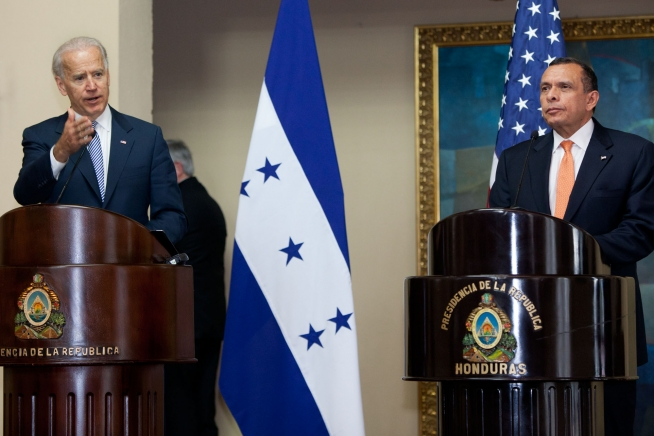 US blocks entry of former Honduras president and his family