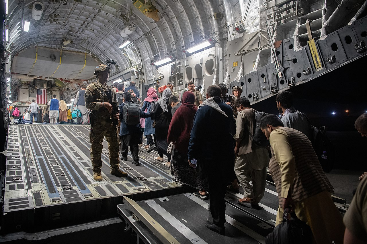UNHCR urges Afghanistan neighbors to keep borders open for fleeing Afghans