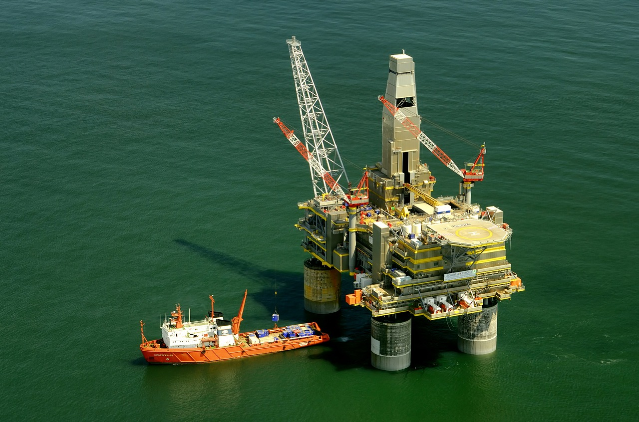 EPA ordered to update guidance on use of chemical dispersants for offshore oil spills