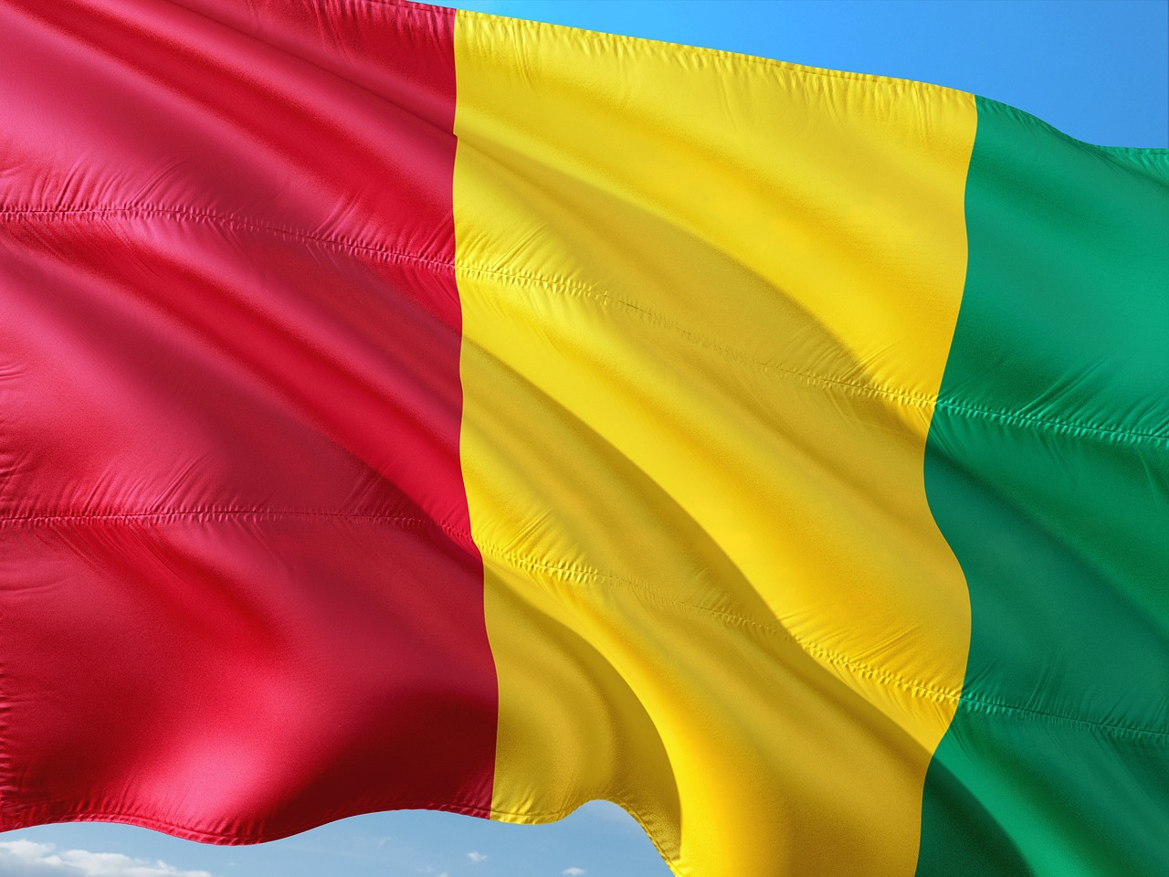 Guinea president overthrown and constitution dissolved in military coup